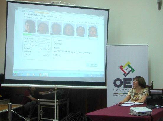 El OEP eligió juradas y jurados para las Elecciones Judiciales del 3 de diciembre en los nueve departamentos