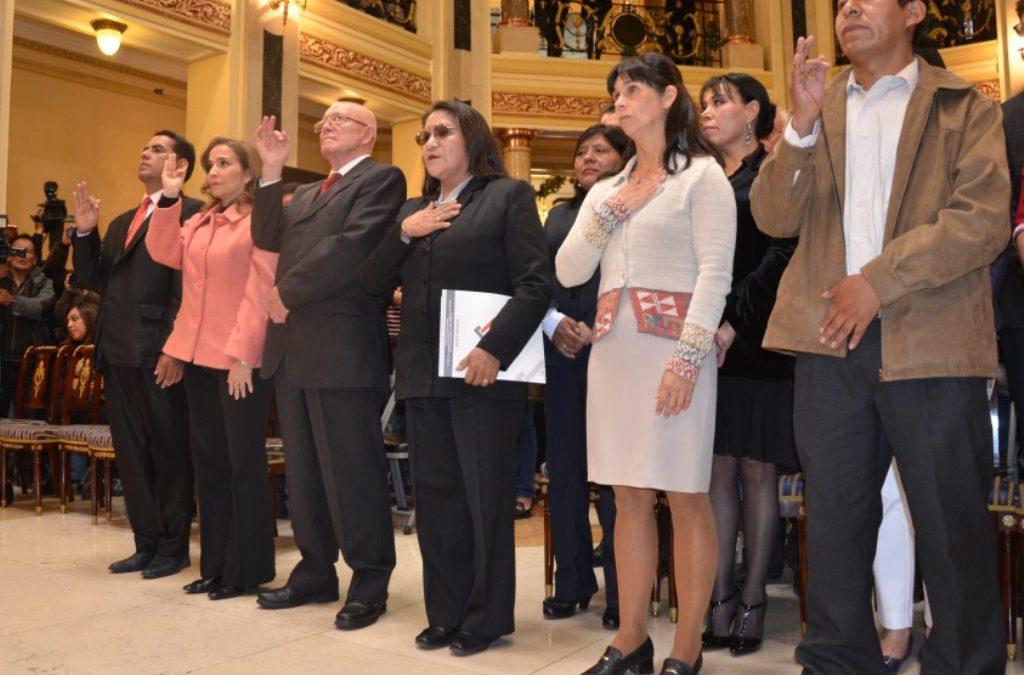 Vocales del TSE asumen sus funciones con el reto de recuperar la confianza de la ciudadanía