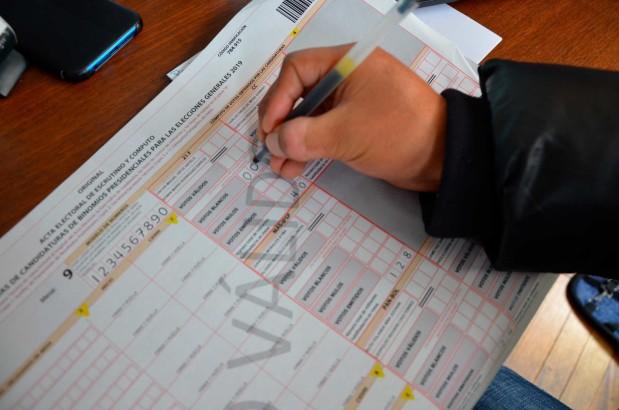 No deje casillas en blanco en la sección de cómputo de votos de las actas de escrutinio
