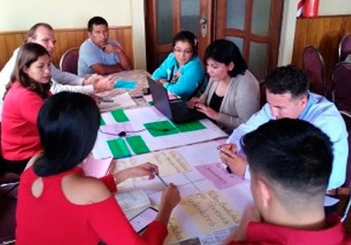 El TSE entrena al equipo técnico de educación que capacitará a miles de jurados y notarios electorales