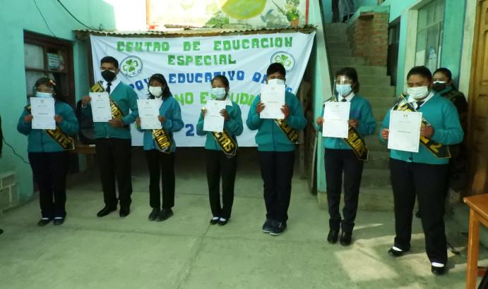 TED Oruro: estudiantes del Centro de Educación Especial reciben credenciales y apuntan a tener ambientes propios