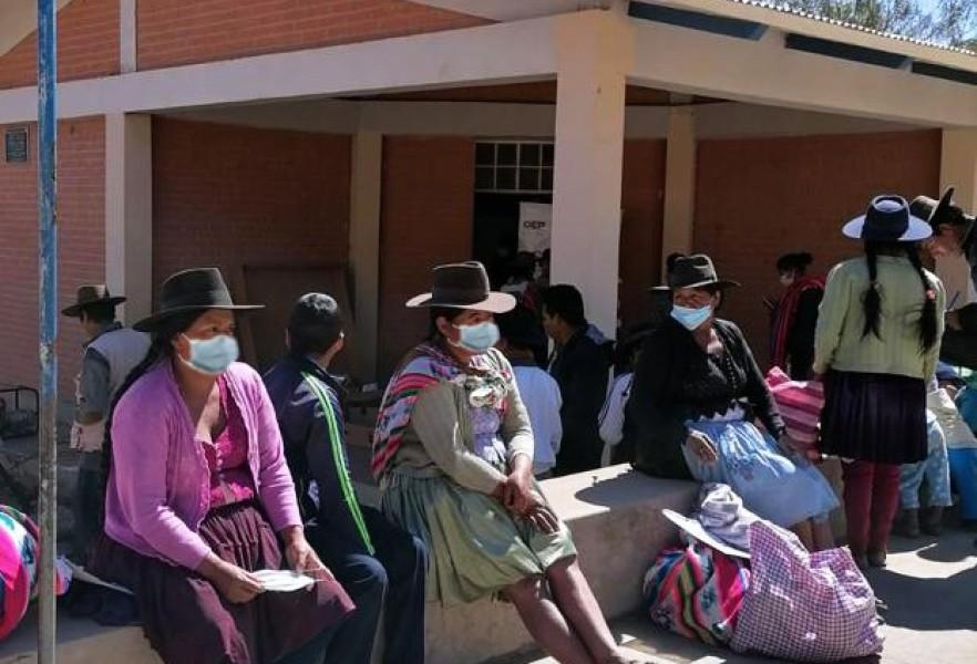 Comunidad de Laime se beneficia con saneamiento documental y certificados de nacimiento gratuitos