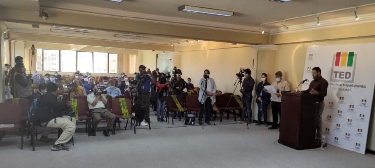 El TED Cochabamba presentó a los candidatos a los consejos de Administración y Vigilancia de Comteco R.L.