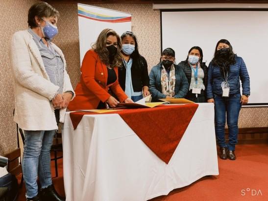 TED Chuquisaca y Adecoch firman convenio marco interinstitucional para el fortalecimiento de la democracia intercultural y paritaria