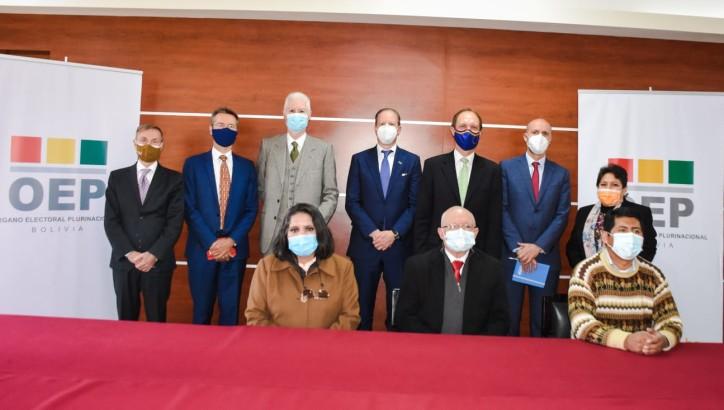 TSE y delegación de la Unión Europea se reúnen para analizar labores futuras de coordinación interinstitucional