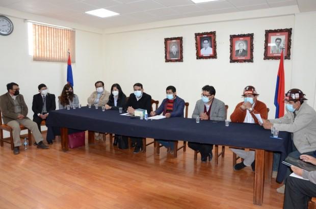 El TSE y la UNSXX preparan un convenio de cooperación para fortalecer la democracia intercultural