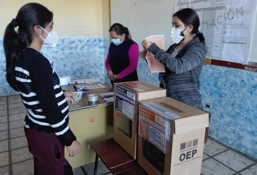 Inicia la capacitación a jurados electorales para las elecciones de Comteco