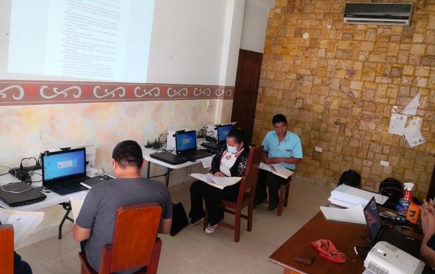 Capacitan a oficiales de Registro Civil de cuatro localidades de Santa Cruz para comenzar a atender a la población