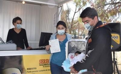El primer registro para el certificado de nacimiento y la emisión del respectivo duplicado se realiza de forma inmediata