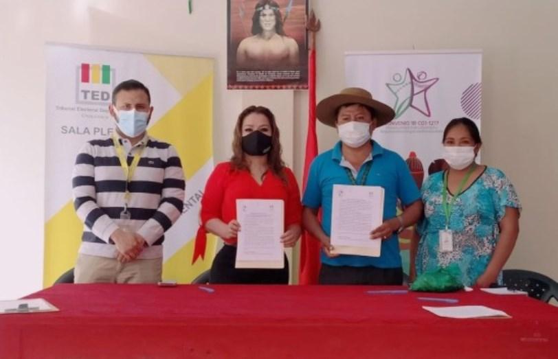 El TED Chuquisaca y el Consejo de Capitanes Guaraníes de Chuquisaca firman convenio para el fortalecimiento de la democracia intercultural