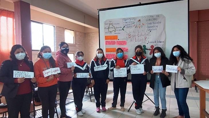 El TED Cochabamba capacita a maestros y estudiantes de la Escuela de Formación de Maestros Simón Rodríguez en democracia intercultural